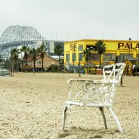 image 5464-three-leg-beach-chair-jpg